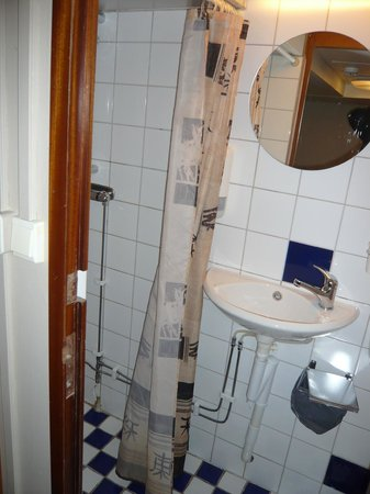 Loginn Hotel:                                     shower and sink