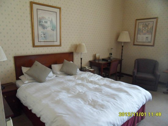 The Vermont Hotel: Comfy double bed