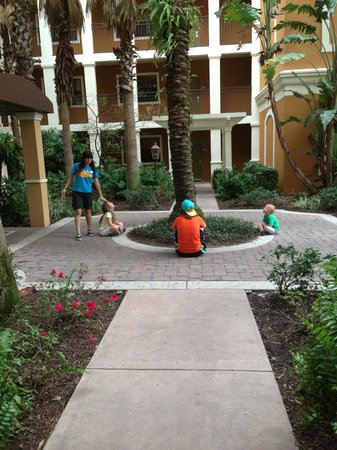 Floridays Resort Orlando:                   Courtyard - Building A