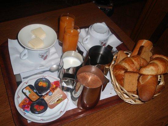 Akhotel: Petit déjeuner à l' AK hotel