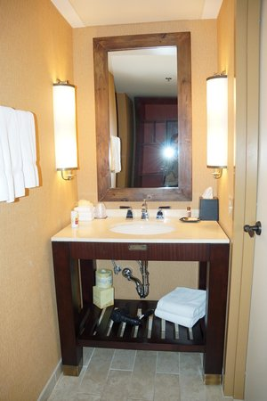 Sheraton Steamboat Resort Villas: Bathroom of Rm 840