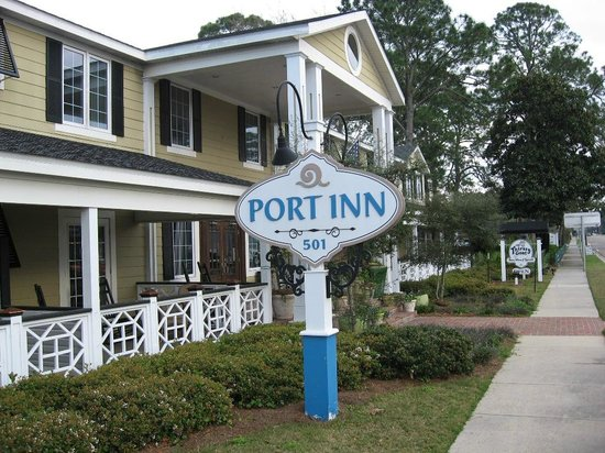Port Inn: Front of Building