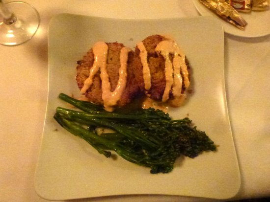 1826 On the Green: Crab Cakes
