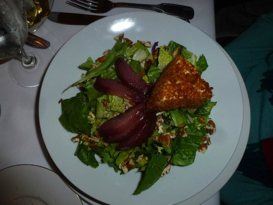 1826 On the Green: Goat Cheese and Pear Salad