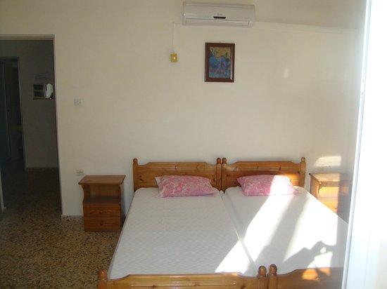 Georgia's Apartments : BEDROOM NO2