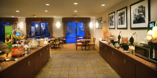 Hampton Inn Marble Falls-On The Lake: Breakfast Area