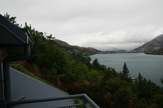 Amour Queenstown Luxury Accommodation:                   Panorama from balcony