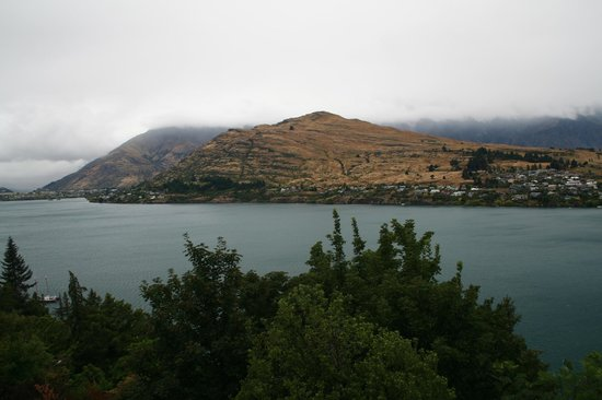 Amour Queenstown:                   Panorama from balcony