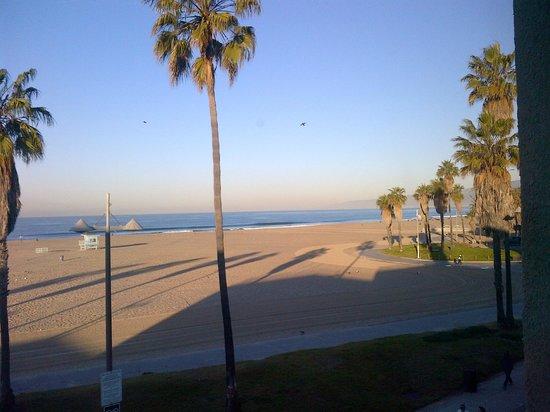 Su Casa Venice Beach:                   View from room 11