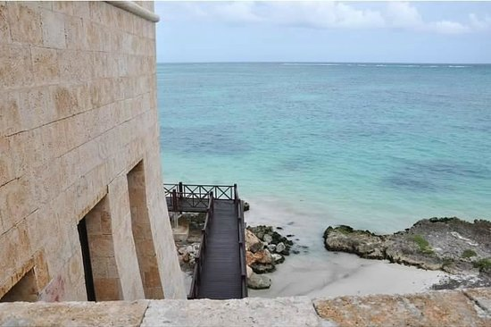 Sanctuary Cap Cana by AlSol :                                                       Castle side