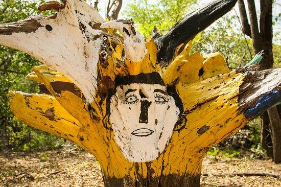 Parque Maritimo el Coco:                   Artwork.
