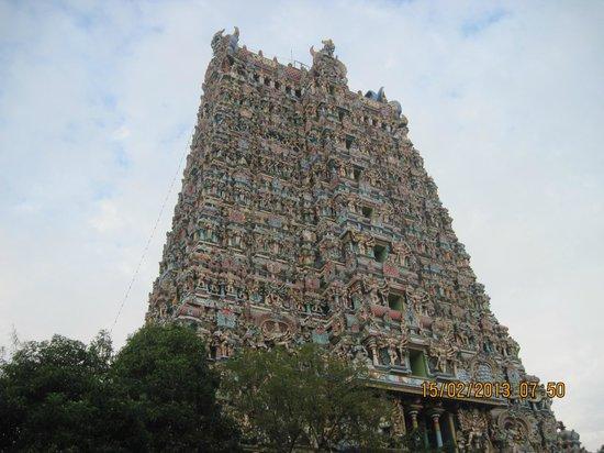 Sri Meenakshi Tapınağı: Western Gopuram