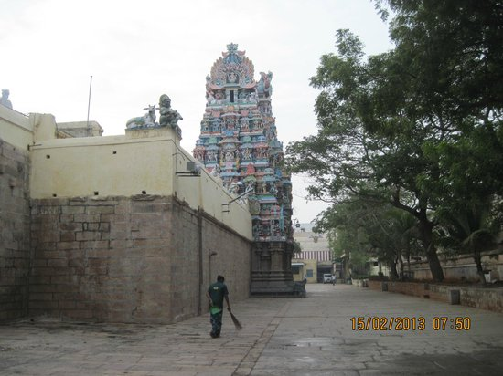 Sri Meenakshi Temple: The inner Gupuram on Western side.