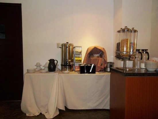 Hotel HEX: Coffee area of dining room