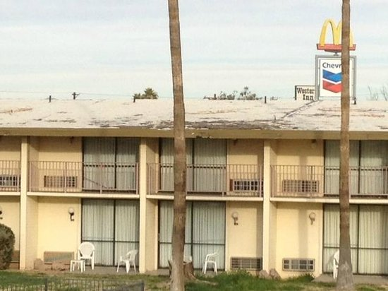 Motel 6 Tucson Airport:                                                                         Roof on hotel, looks not