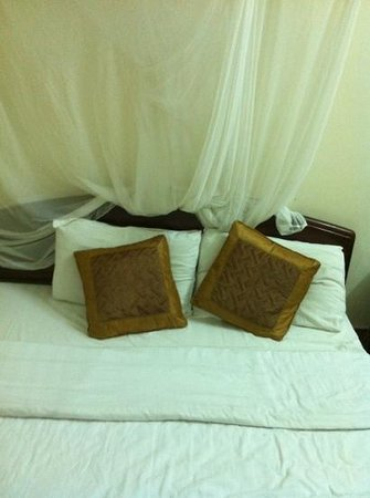 Hoian Trade Union Hotel:                   bed
