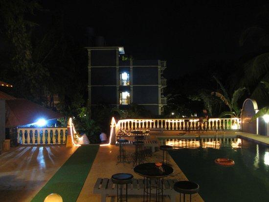 Mayflower Beach Resort:                   вид на отель