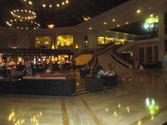Majestic Elegance Punta Cana:                   Lobby bar