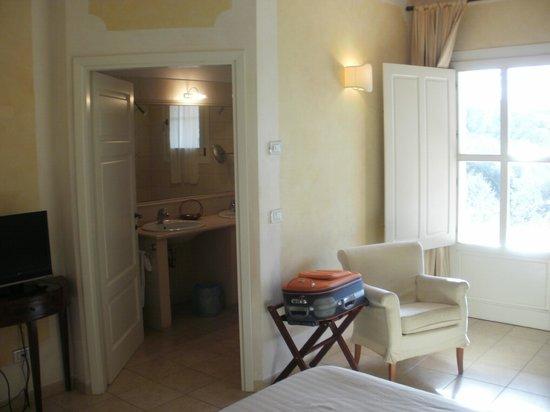 Hotel Il Melograno:                                     ingresso del bagno