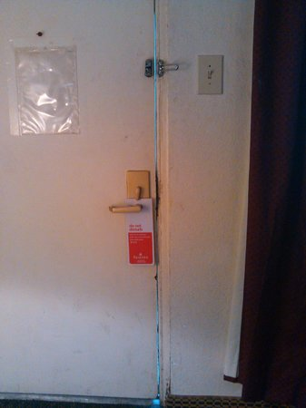 Ramada Denver Midtown:                   Inside room door, freezing, broken lock, unsafe
