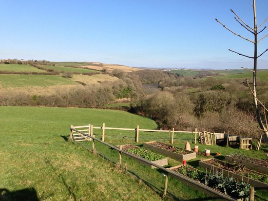 Robin Hill Farm Cottages:                                     VIEW ACROSS VALLEY