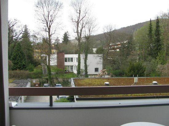 Wyndham Garden Bad Kissingen :                   view from balcony from room back of building, peaceful!