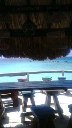 كوراكاو ماريوت بيتش رزورت أند إميرالد كازينو:                   the bar on the beach                 