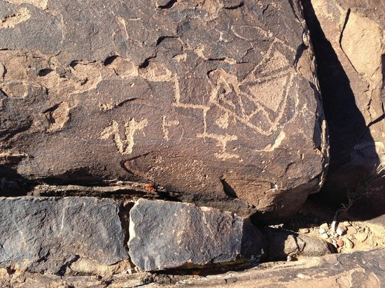 Anasazi Ridge Petroglyphs:                   Variety of images