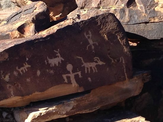 Anasazi Ridge Petroglyphs:                   The Hunt?