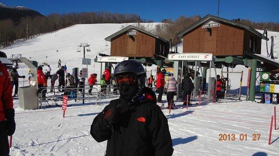 Spruce Peak at Stowe:                   base camp e escola de ski crianças