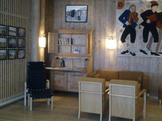 Røros Hotell:                   Ambientação no térreo