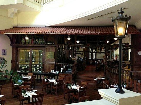 Hilton Malta:                   Hilton Restaurant