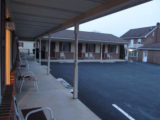 Rodeway Inn Akron:                   old Akron Motel in Lancaster County, PA