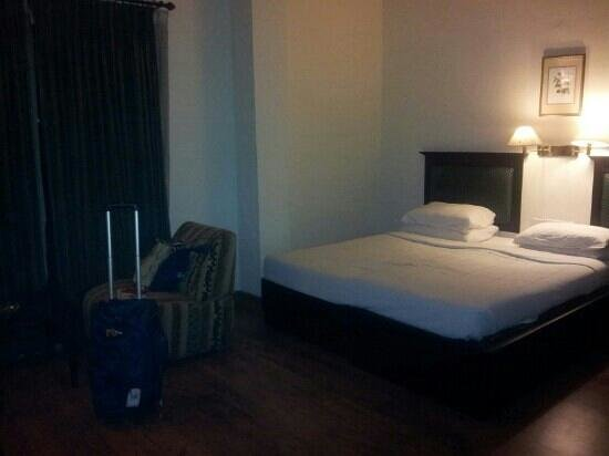 Harbour View Residency:                   standard double room at 4th floor