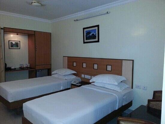 Taz Kamar Inn:                   deluxe double room