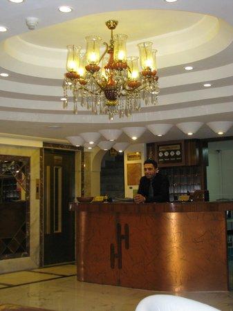 Historia Hotel:                   reception