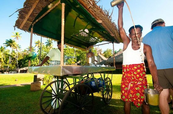 Marari Beach Resort:                   Sebastian and his afternoon tea cart