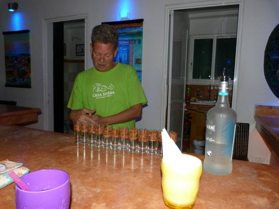 Casa Sirena Hotel :                   Steve making the famous Poo Poo shots