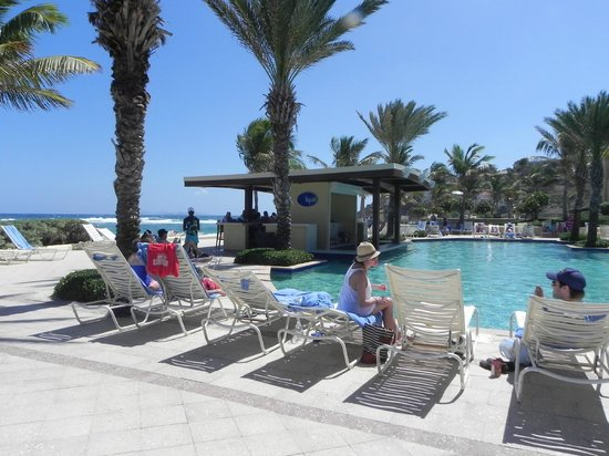 The Westin Dawn Beach Resort & Spa, St. Maarten:                   Swim up Bar