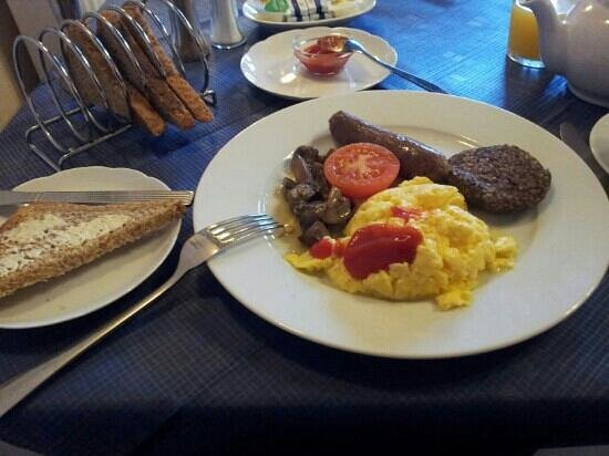Alba Hills Guest House:                   hot breakfast!