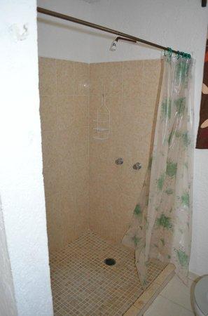 Sacbe Boutique Inn:                   die Dusche