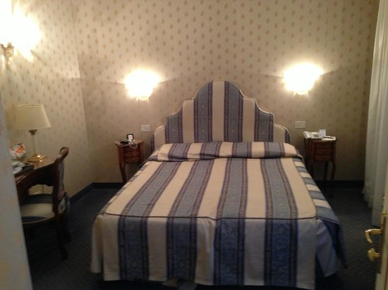 Villa Igea:                   Standard double room 609.