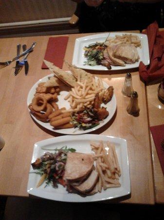 ذا بيتشيز هوتل:                   Bar Meal                 