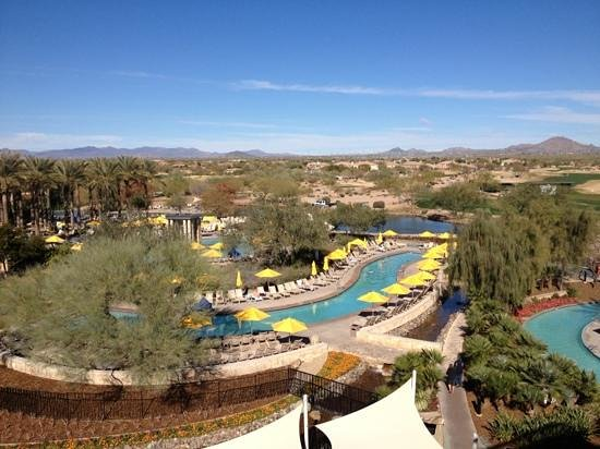 JW Marriott Phoenix Desert Ridge Resort & Spa: view of the pool.