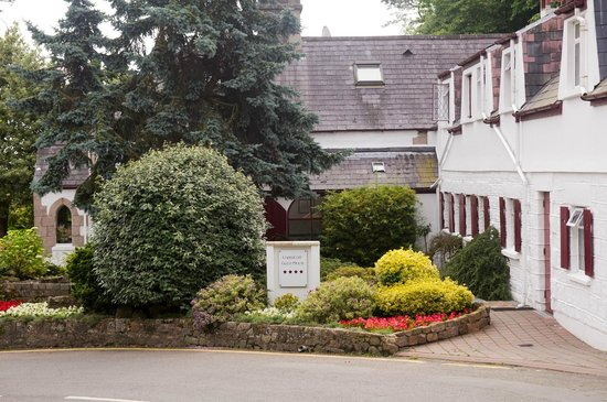 Undercliff Guest House:                   The guest house