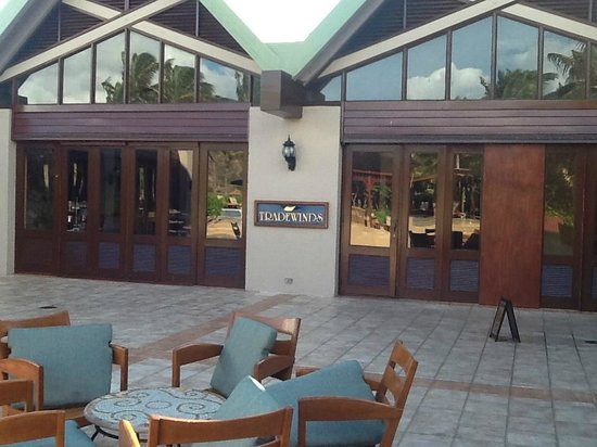 Tradewinds Restaurant @ Peter Island Resort:                                     Courtyard outside Tradewinds Restaurant