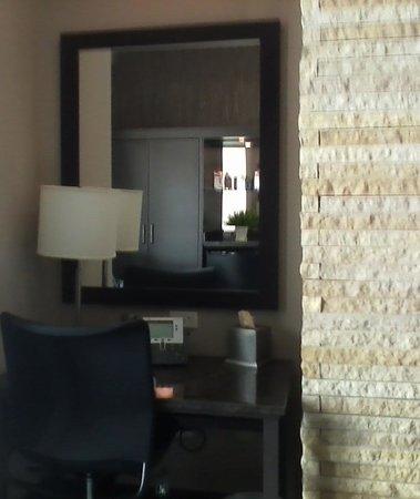 Grand Falls Casino and Golf Resort:                   DESK AREA IN BEDROOM