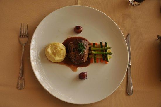 Le Jardin des Delices - Ecole Paul Dubrule: beef
