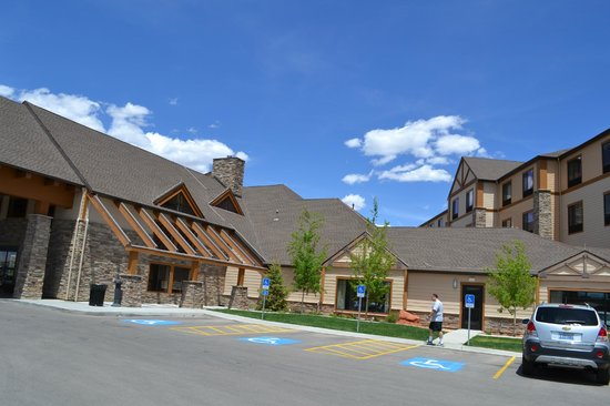 Best Western Plus Bryce Canyon Grand Hotel: Lodge-type western feel...