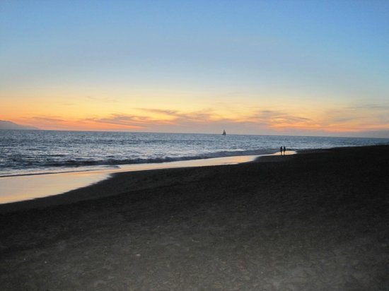 Casa Velas:                   Sunset Dinner at Beach Club